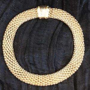 Jewelry - GOLD MAGNETIC CHOKER